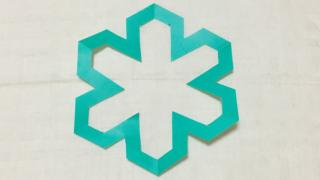 六方亀甲形(ろっぽうきっこうがた)の家紋切り紙