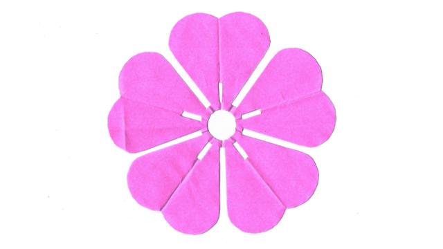 桜(さくら)の家紋切り紙