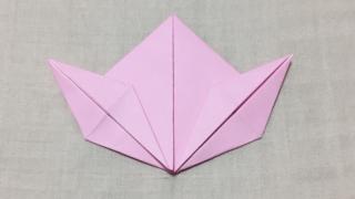 桃の折り紙