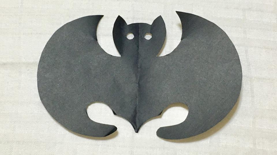 光琳蝙蝠(こうりんこうもり)の家紋切り紙