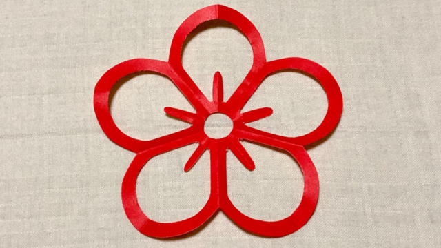 陰梅(かげうめ)の家紋切り紙
