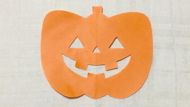 ハロウィンかぼちゃの切り紙