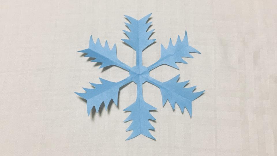 山谷雪(さんやゆき)の家紋切り紙